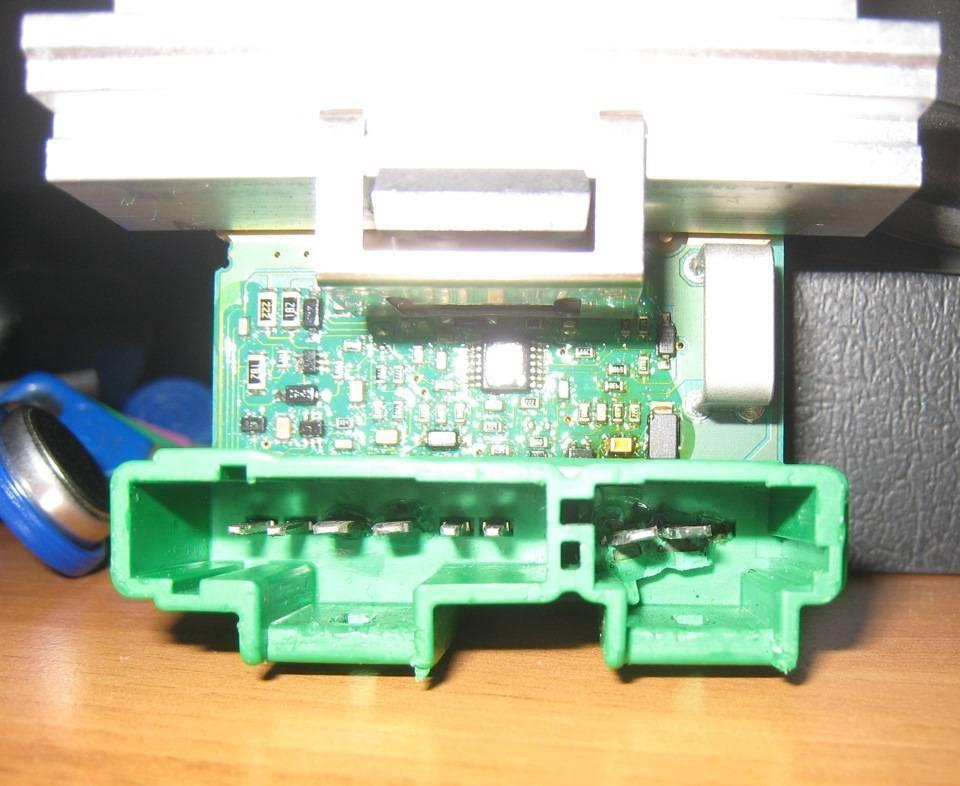 def3042s-960.jpg