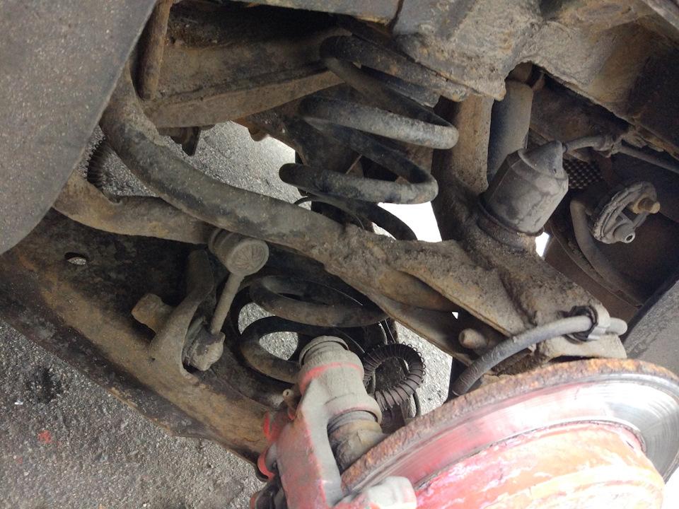 Замена задних пружин, размер новых пружин: высота 360 мм и толщина прутка 15 мм