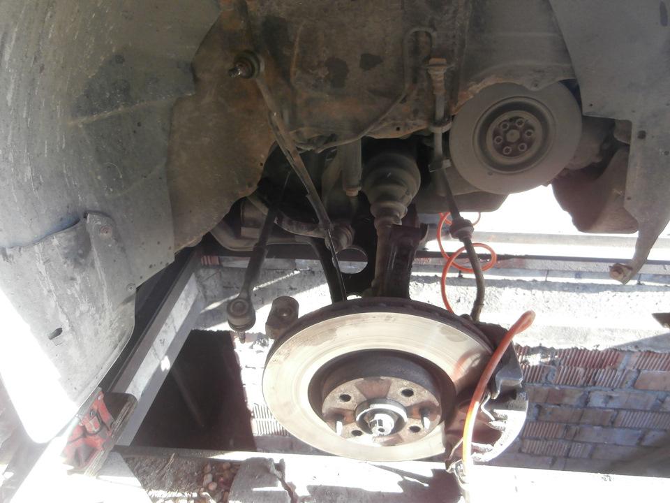 Решил погонять люфты в рулевом, по ходу попал на бабки в очередной раз. )))