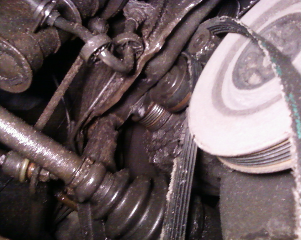 Хреновый натяжитель+такая же обгонка=едем к тёще на Тоёте. ))) Зато обслужил генератор и поставил короткий ремень.
