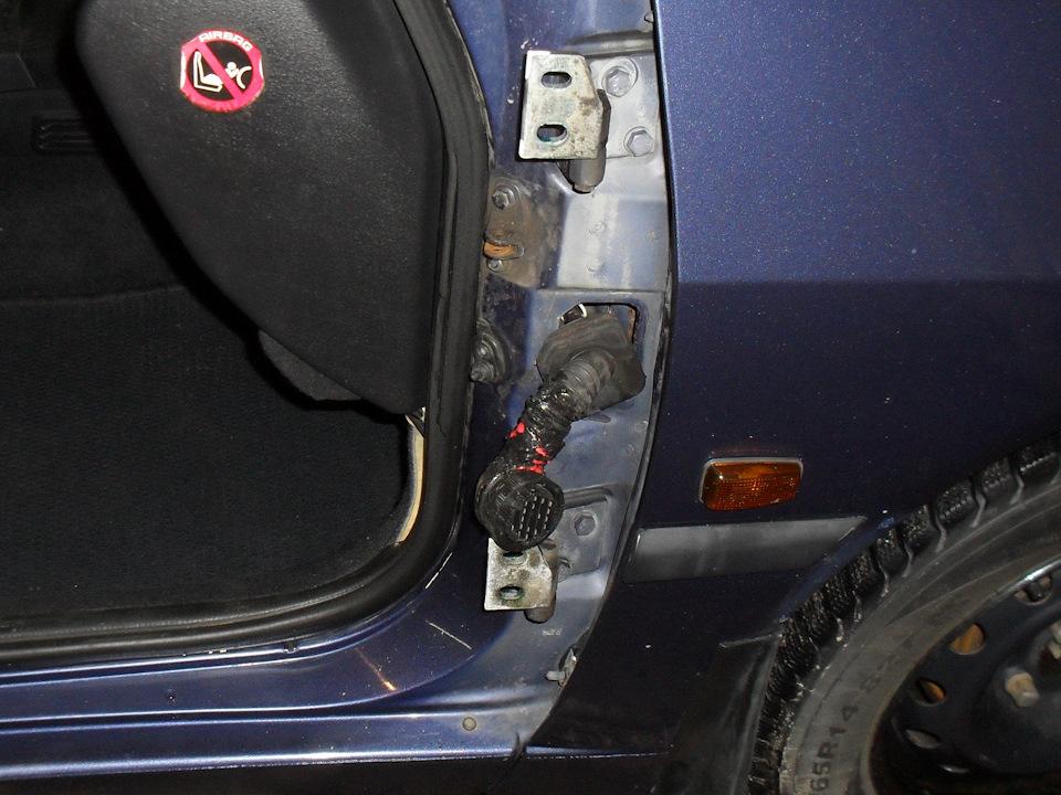 переделка фишки проводов на передней двери