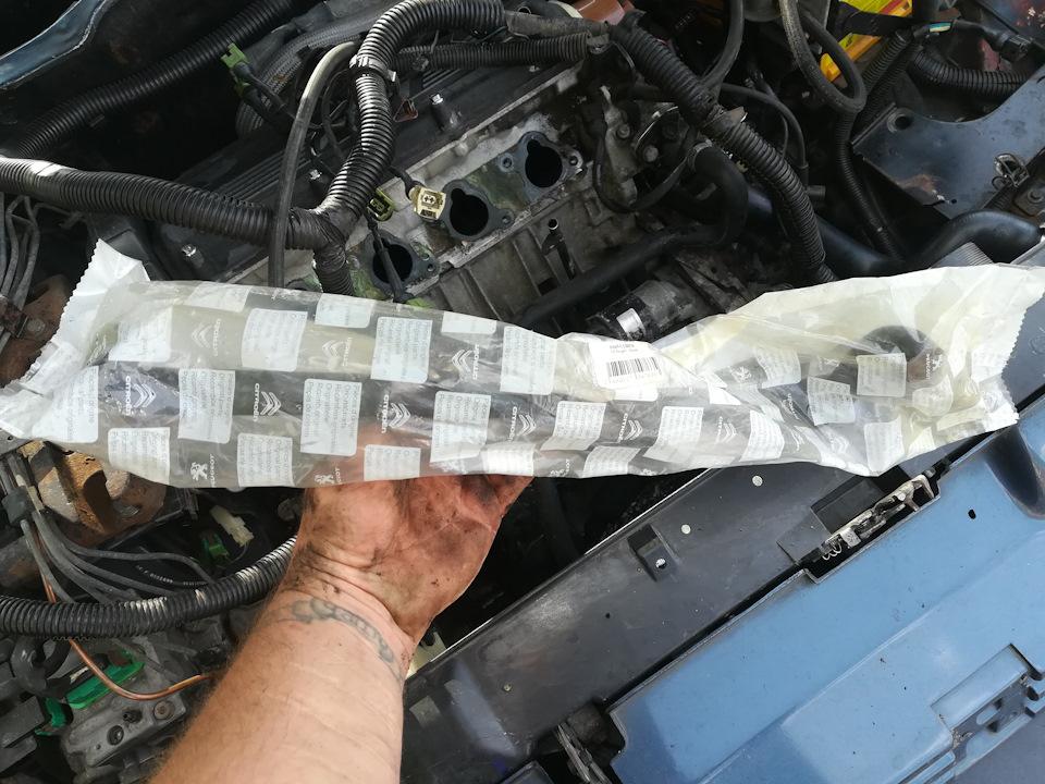 Замена патрубков картерных газов и ДД.