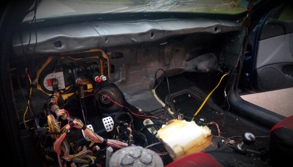 Шумоизоляцию моторного щита (часть 2)…