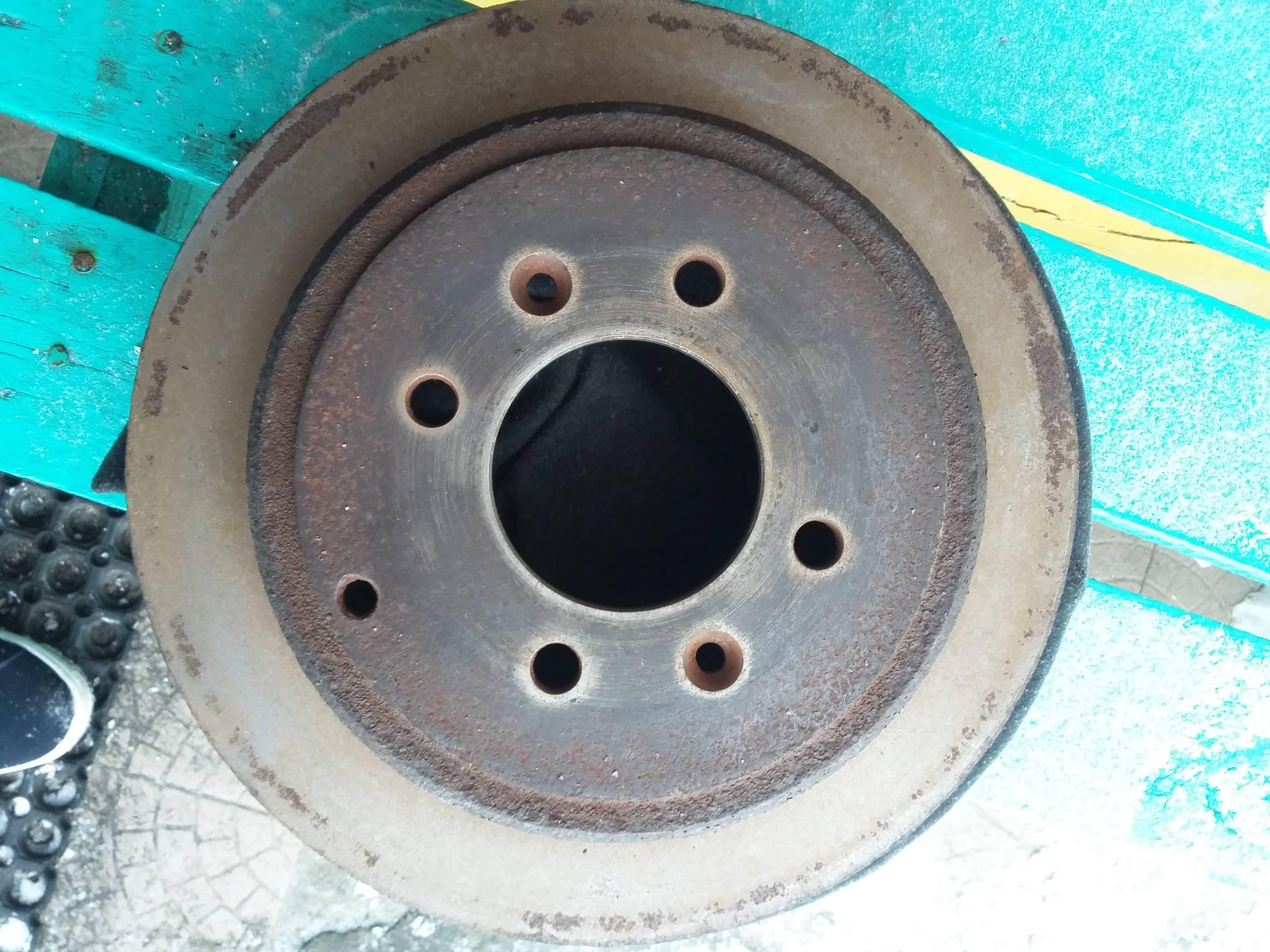 Задние диски и колодки пежо 406
