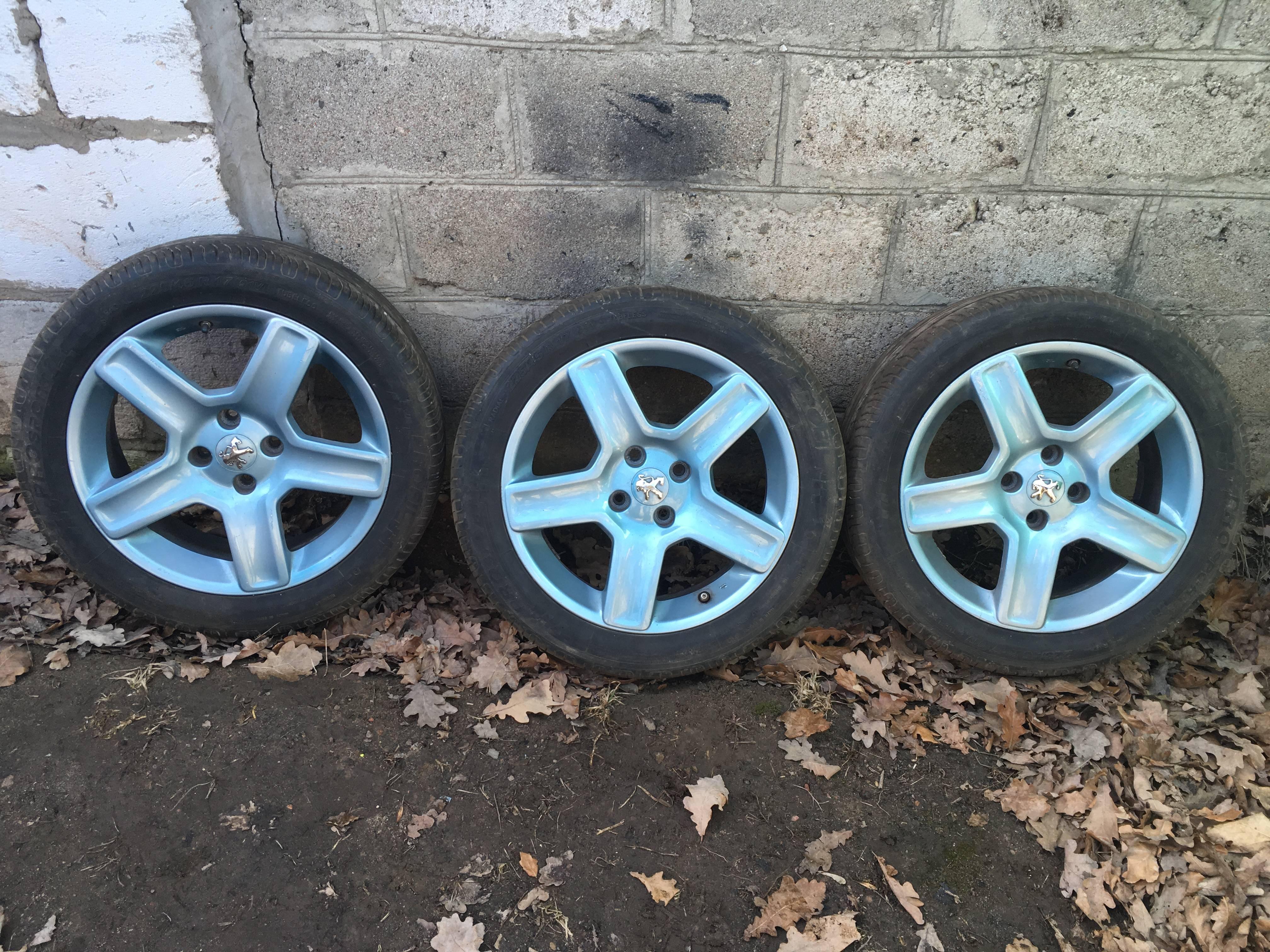 Литые диски R17 Peugeot + резина