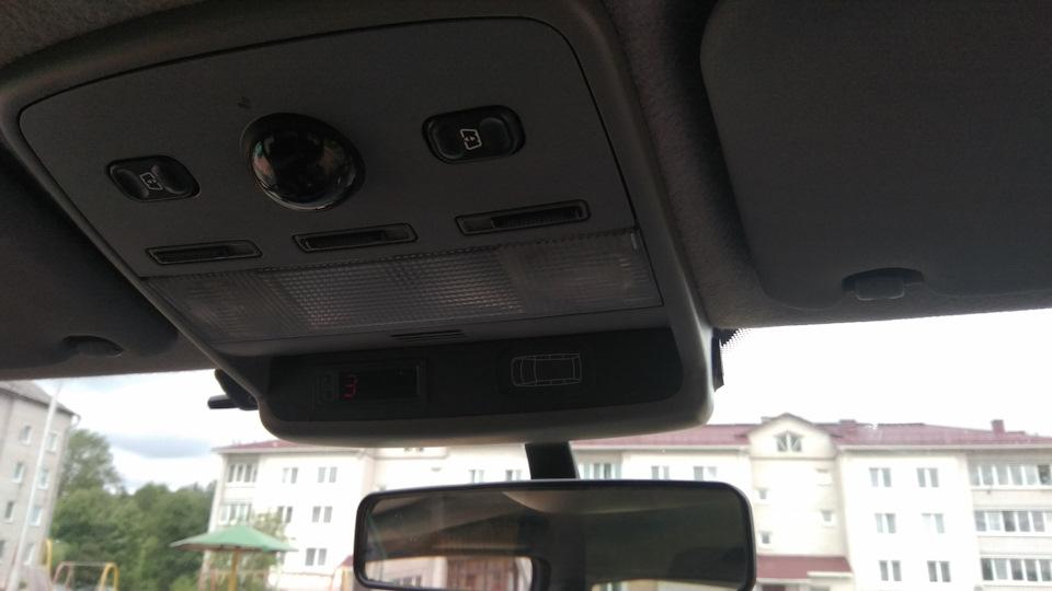 Замена часов и внедрение зарядки usb в потолочный светильник