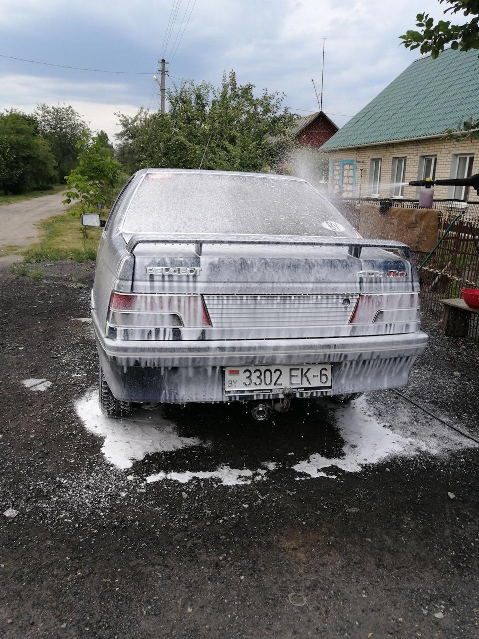 Перед первой, после ремонта дальней поездкой, помылись.