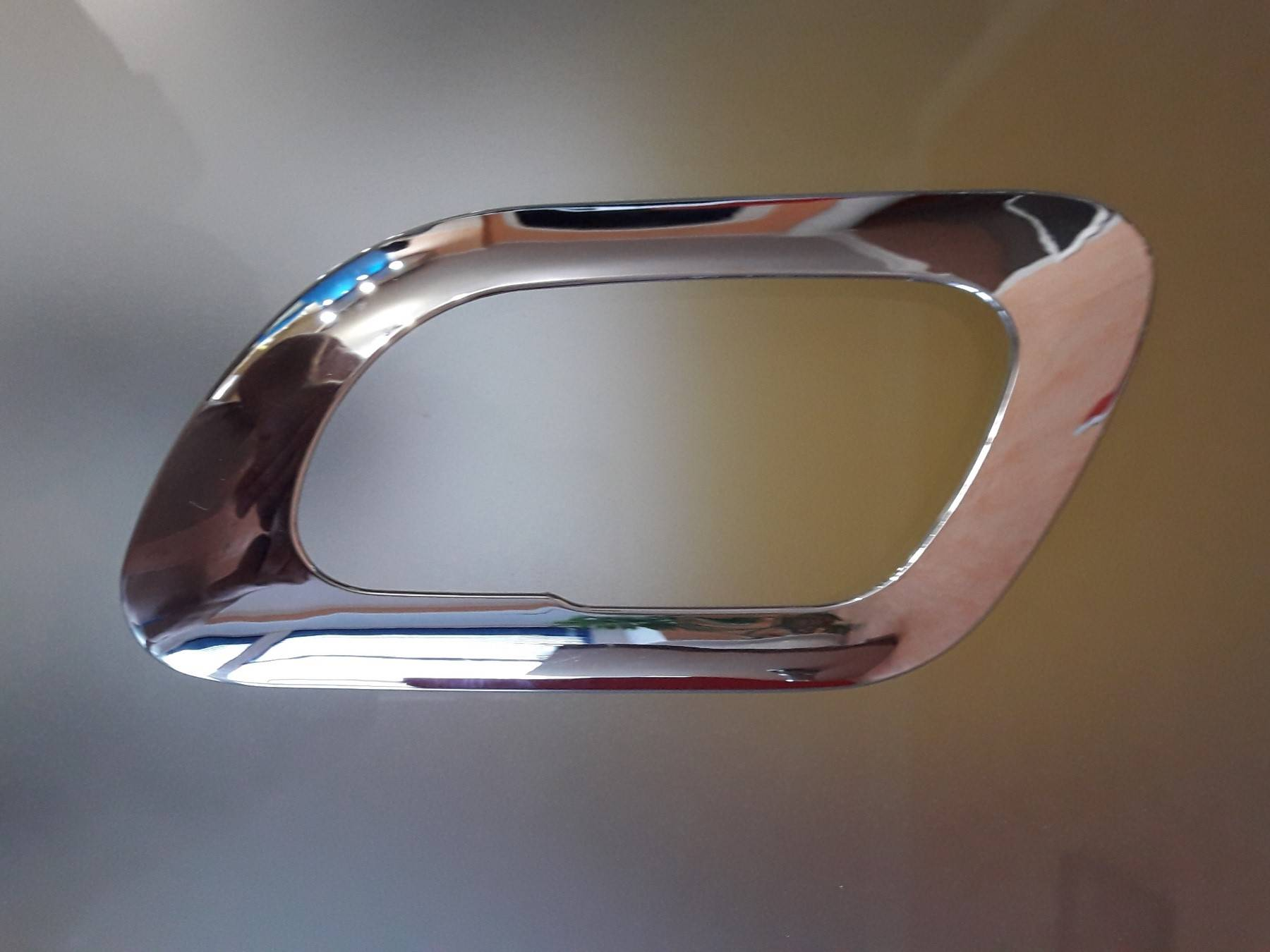 Накладки декоративные хромированные, внутренние открытие передних и задних дверей на Пежо 3008